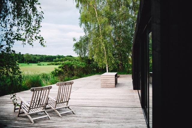 Sådan gør du din terrasse klar til sommer, sol og godt vejr